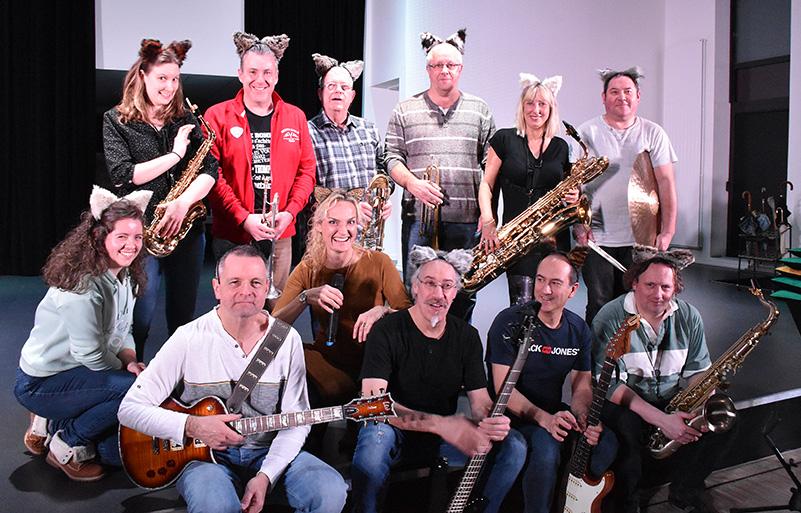 Le Chazz'Orchestra a été créé spécialement pour Chazz!. Le spectacle musical des Bâtisseurs de Thann.